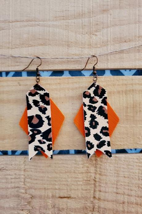 Fall Leather Earrings, Leopard Leather Dangles, Animal Print Jewelry, Everyday Earrings, Leopard Print Earrings, Fall Jewelry, Trendy Wear